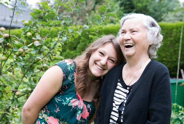 Foto: Frau Bohlender mit Anna