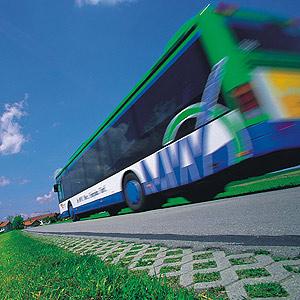 Foto: Bus auf Straße