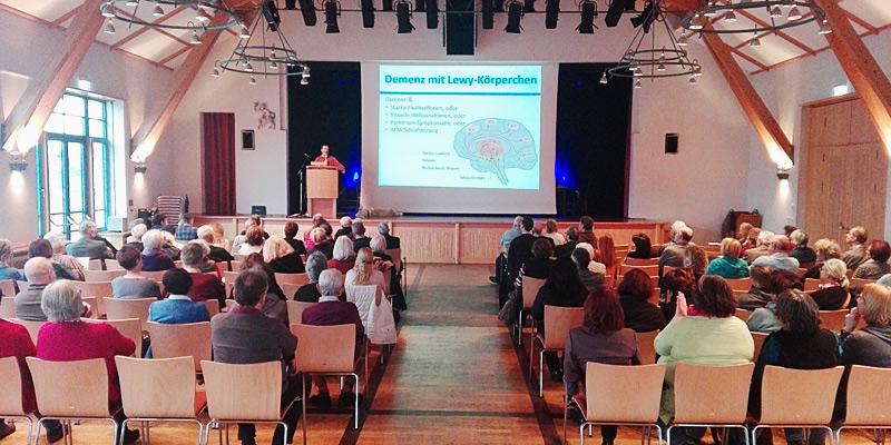 """Foto: Rund 150 Besucherinnen und Besucher waren zum Aktionstag """"demenzfreundliche Kommune"""" in Oberhaching gekommen."""
