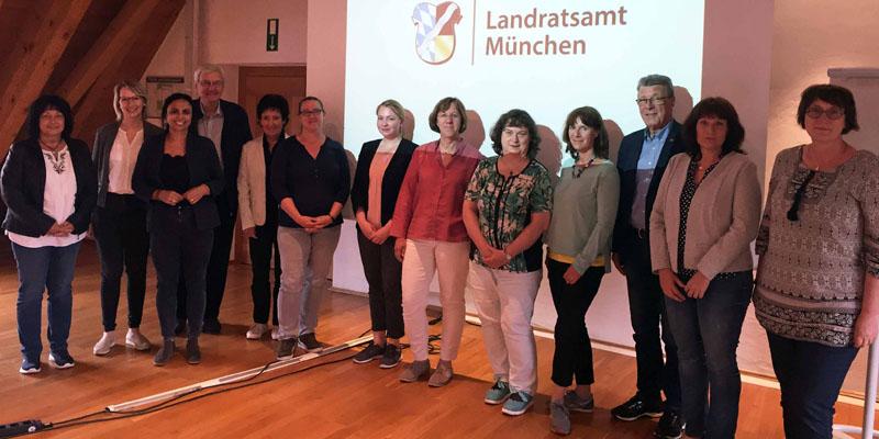 Teilnehmerinnen und Teilnehmer des dritten Austauschtreffens der demenzfreundlichen Kommunen im Landkreis