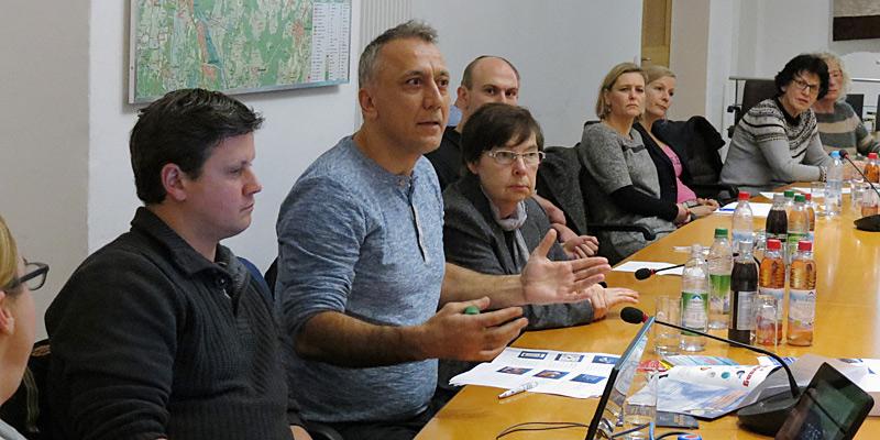 Foto: Wie kann funktionierende Jugendarbeit aussehen? Diese und viele weitere Fragen diskutierten die rund 20 Jugendbeauftragten bei ihrem Netzwerktreffen im Landratsamt München.