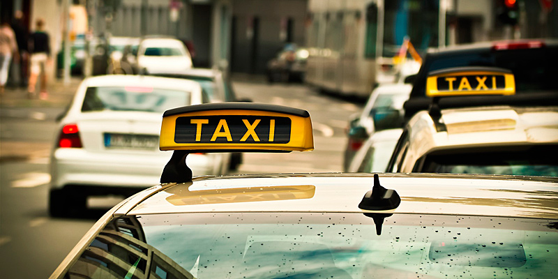 Taxiunternehmen können seit dem 01. April 2020 über das Landratsamt München eine Förderung von bis zu 10.000 Euro für die Umrüstung oder Neuanschaffung eines Inklusionstaxis erhalten.