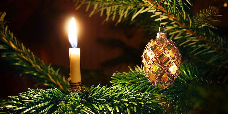 Foto: Weihnachtsbaum mit Kerze