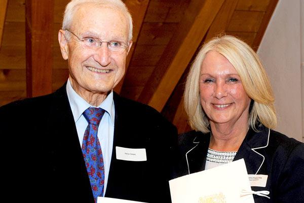 Foto: Ehepaar Gress und Dr. Paeschke