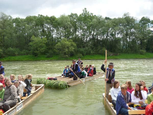 Foto: Häusler; Floßfahrt auf dem Fluß Dunajec
