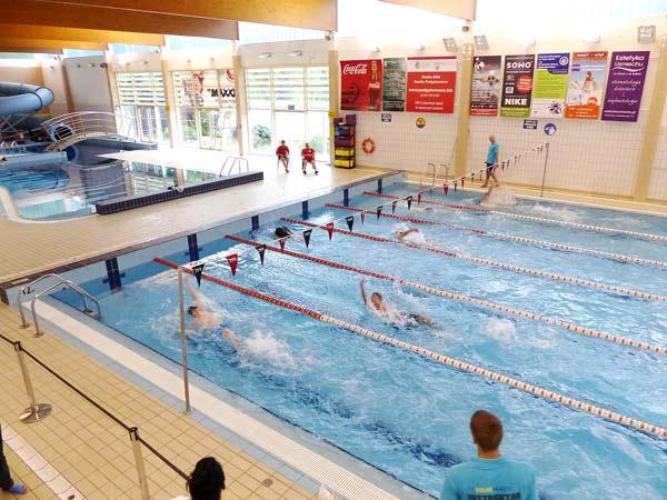 Foto: Anette Ganssmüller-Maluche; Schwimmwettbewerb