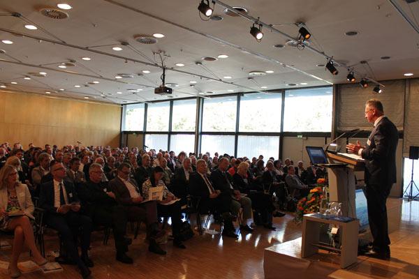 """Foto: Konferenz """"Herausforderung Wachstum"""" in Rosenheim"""