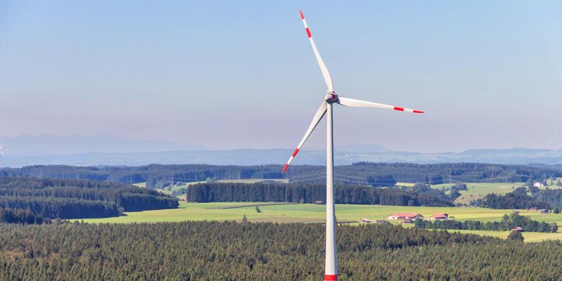 Foto: Windrad bei Fuchstal im Landkreis Landsberg am Lech